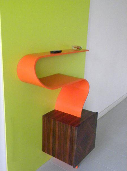 Mobiletto in legno e corian